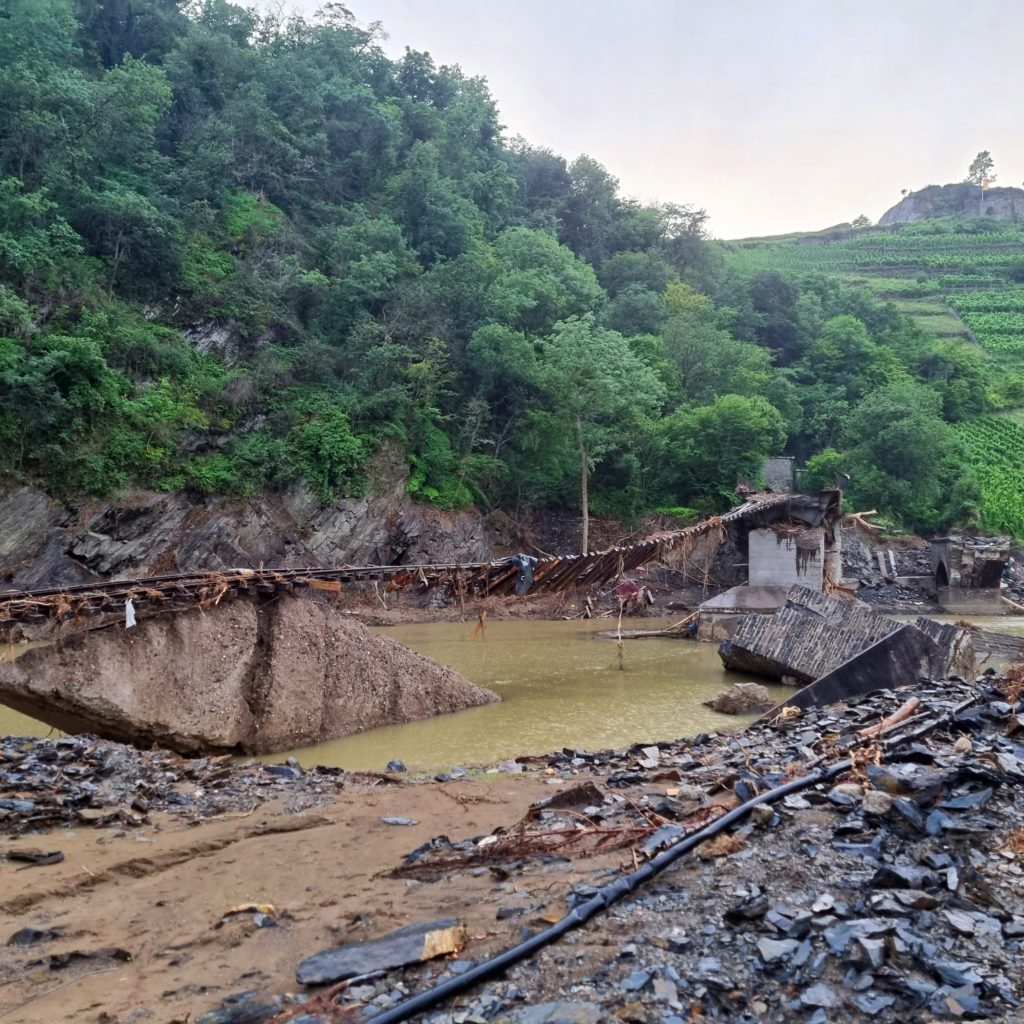Ruinen auf dem Weg nach Mayschoß